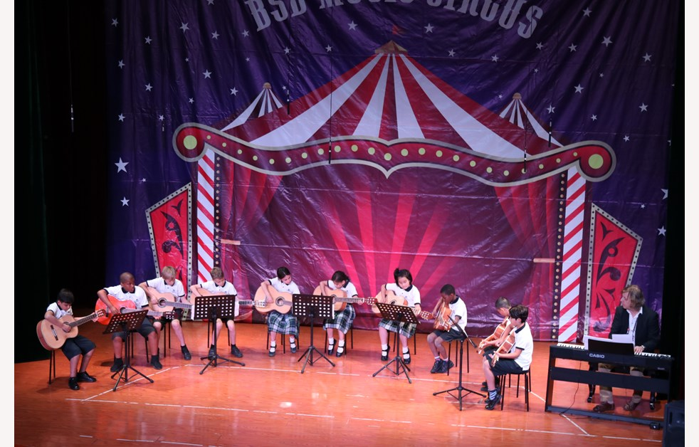 Strings Music Circus (4)