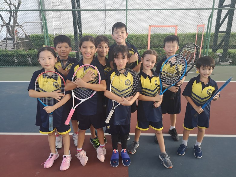 U9 Mini Tennis players