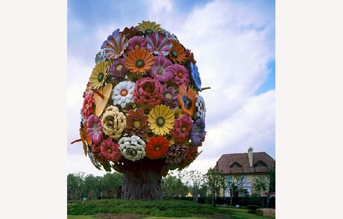 Image of China Shanghai, Gubei flower sculpture, China, safe living in Shanghai, living in China, Shanghai China.