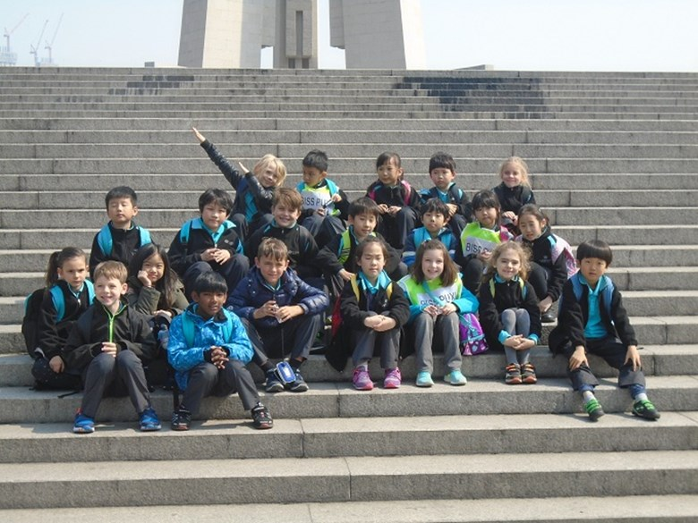 Year 3 Enjoy Visit to the Bund and Yu Yuan Gardens