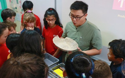 Dover Court International School Singapore DCIS Year 7 History Archaeologist visit