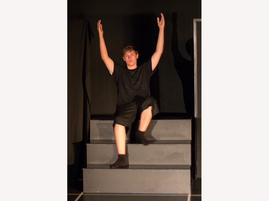 One students put his two hands up in Year 12 Studio Performance