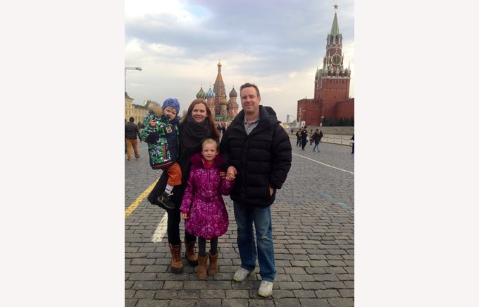 Image of Yulia and family in Moscow