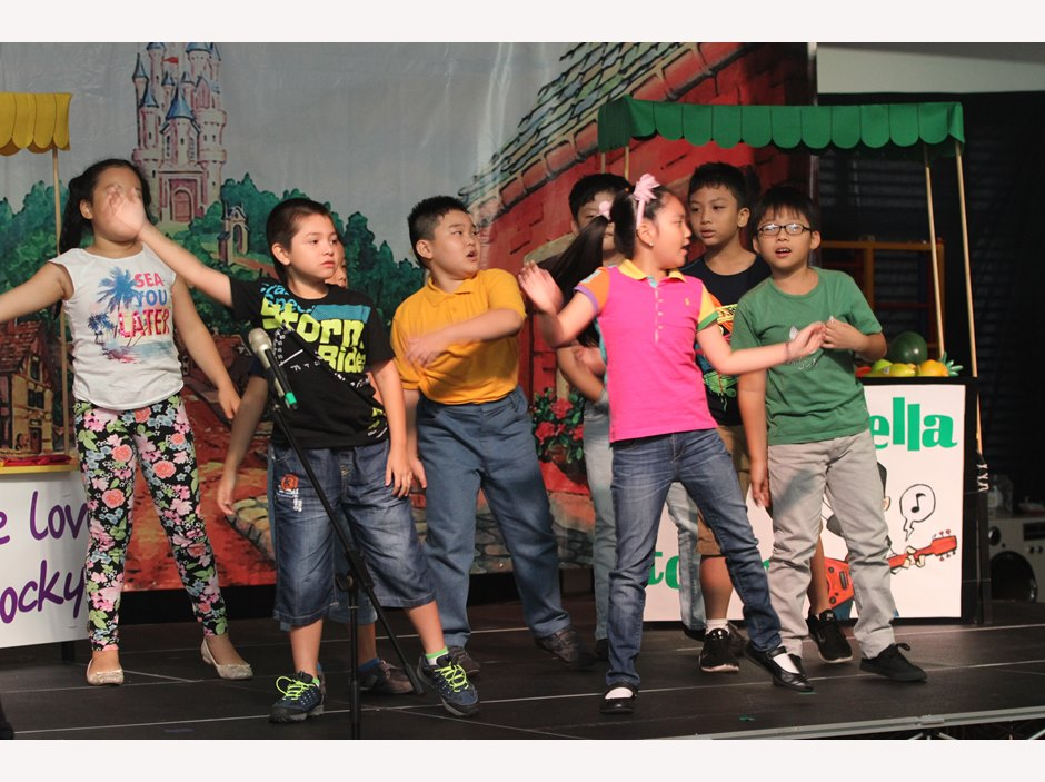 Students dancing in TX MP2 Production
