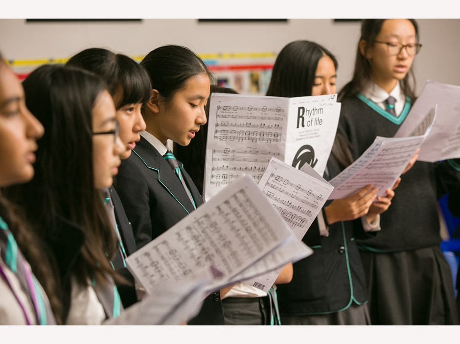 Students singing in music class