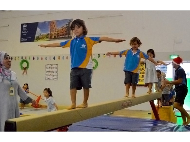 Primary PE lesson Balance and Coordination activities