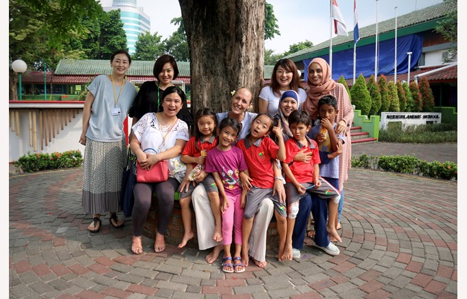 A happy group of students, teachers and parents | NIS international school Jakarta