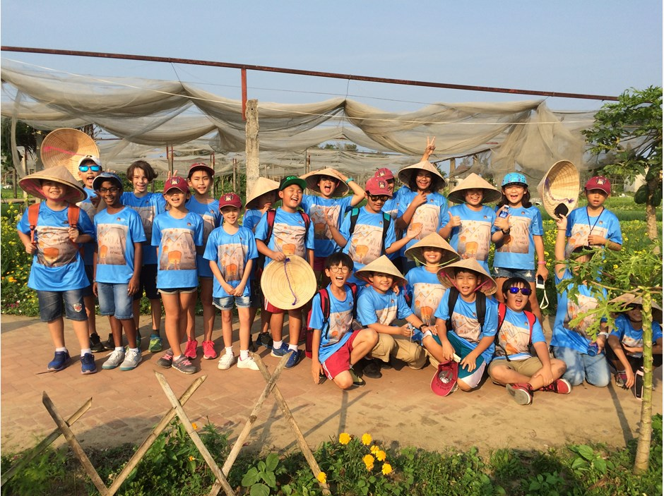Group photo at the vegetable plot