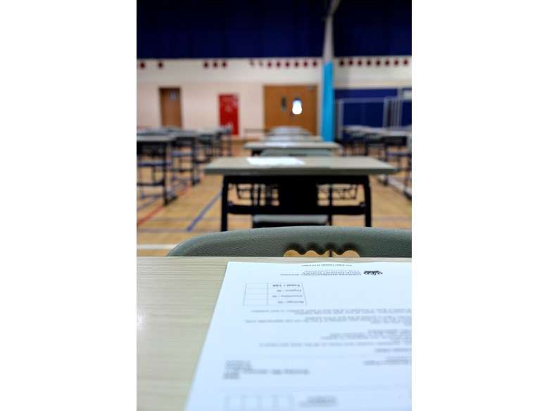 Exam - Empty Desks