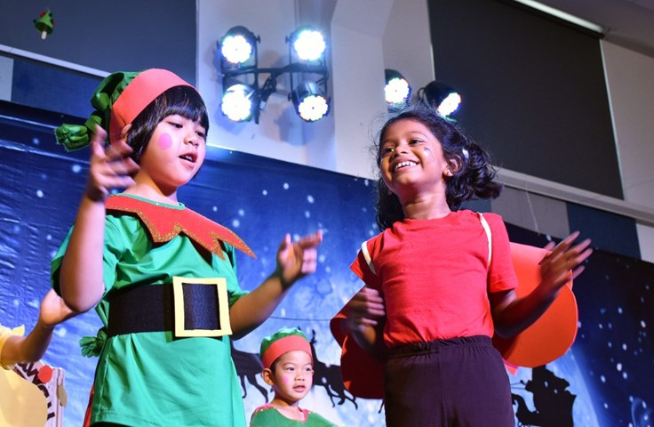 Year 1 Christmas Production (9)