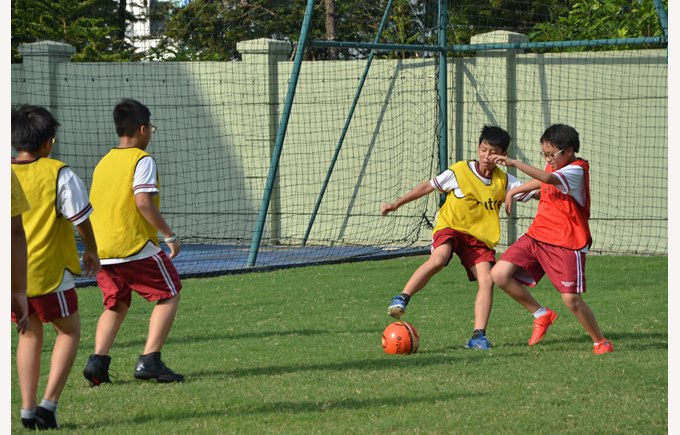 BVIS Hanoi Students Experience Clubs Activities (6)