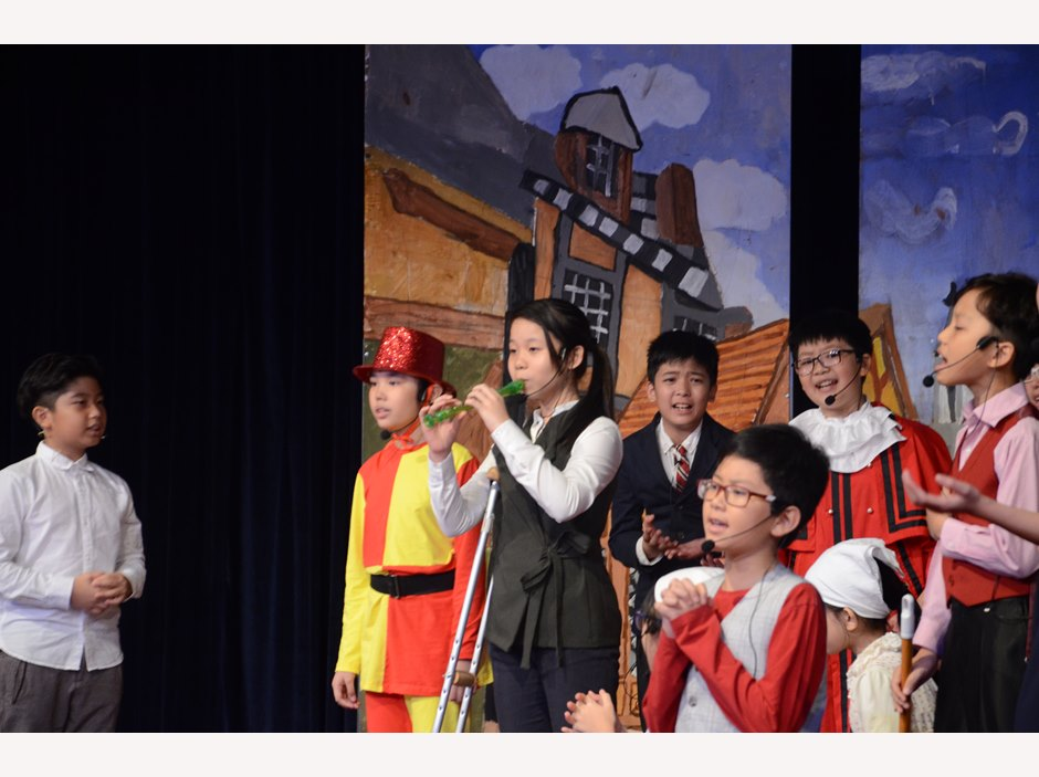 BVIS Hanoi Students Watch Us Piper of Hamelin (10)