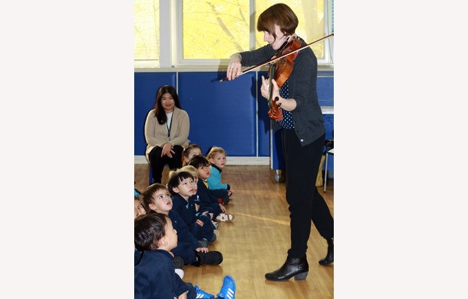 Erin performing for Nursery