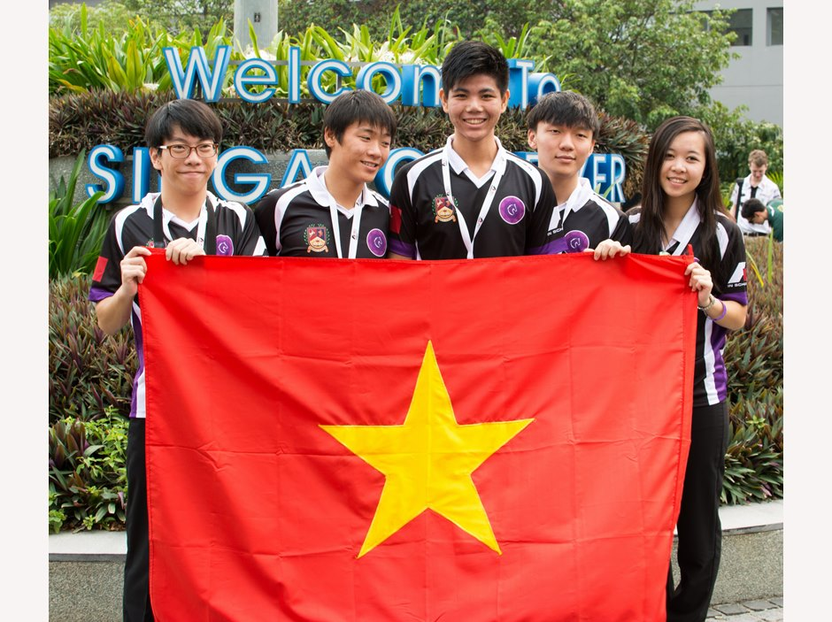 F1 in Schools 2015 - BIS HCMC team