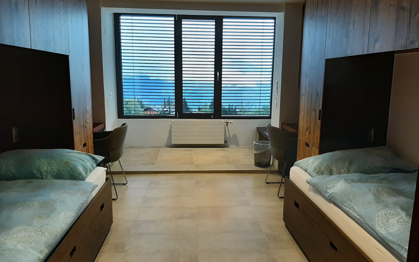 Boarding Room with alpine view
