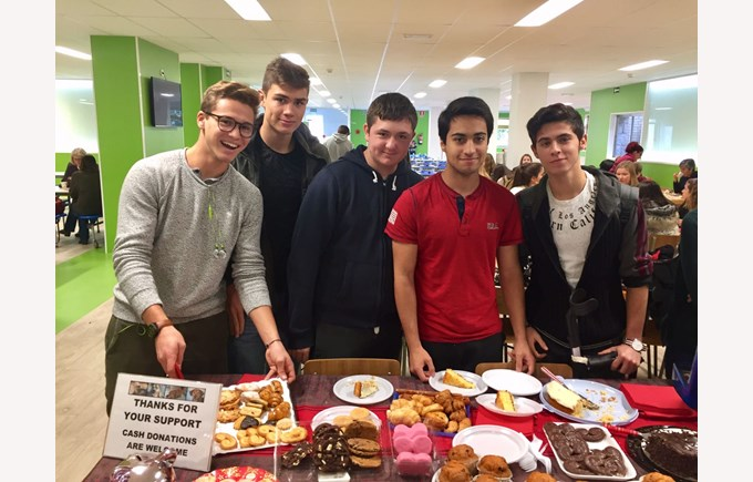 Raising money for a local animal shelter, thanks to the grade 11 students from ICS Madrid