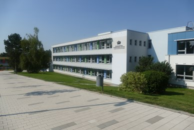 Kamyk campus