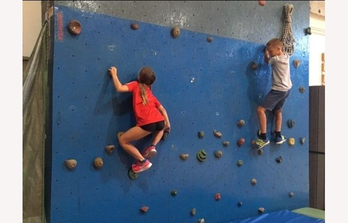 kids wallclimbing