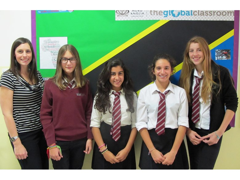 Grou of students who took part in the Tanzania Expedition