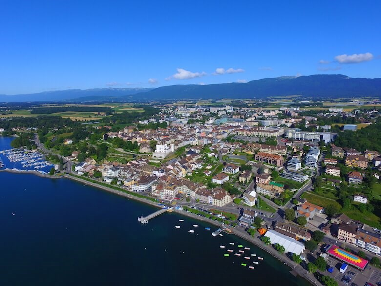 Nyon from above