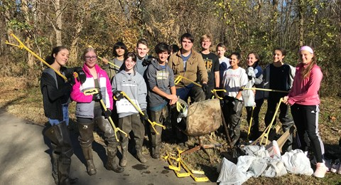 Years 11 & 12 River Cleanup