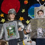 KS1 school play robots