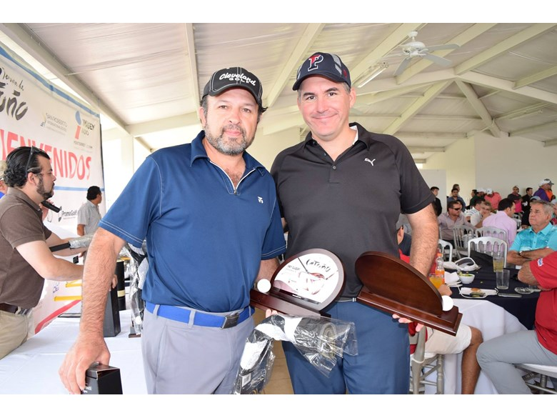 Dads with prizes at golf tournament